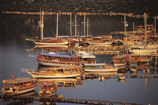 ケコヴァを周るボートツアー