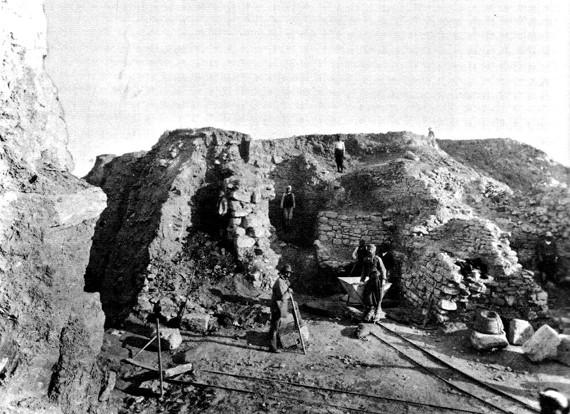 トロイ遺跡の発掘