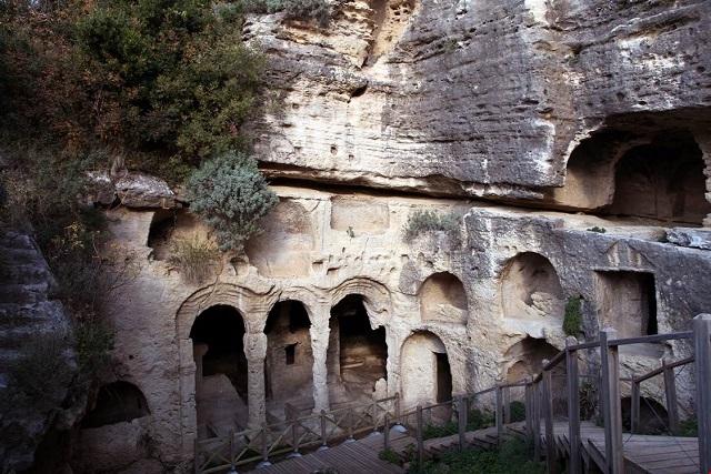 ベシックリ洞窟