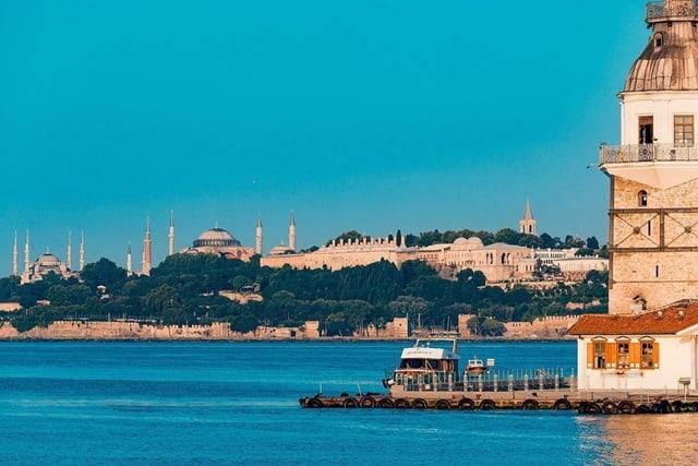 関空発『イスタンブール海峡クルーズと世界遺産歴訪トルコ9日間』*エミレーツ航空指定<br>✦毎週水・土発!4名催行 ✦4名から17名限定・バスは1人2席