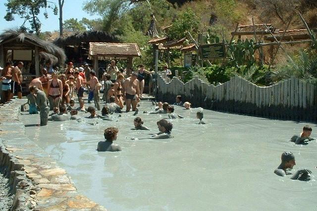 ダルヤン泥温泉