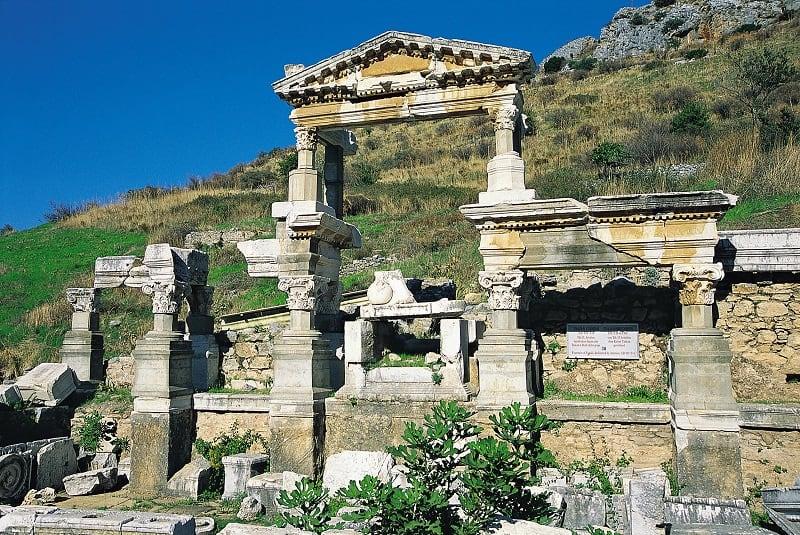 ハドリアヌスの神殿