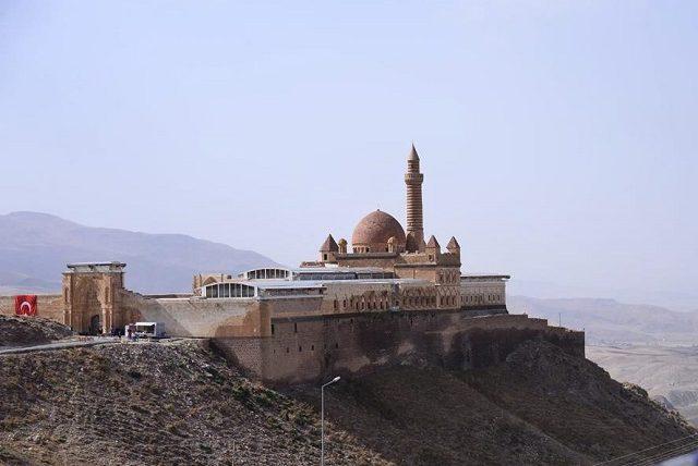 イスハクパシャ宮殿