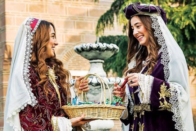 トルコの民族衣装「カフタン」の魅力|男性・女性・地域ごとの違いや歴史を解説
