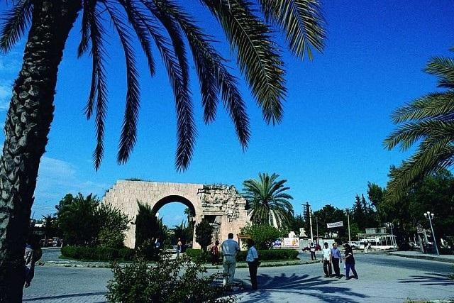 クレオパトラ門
