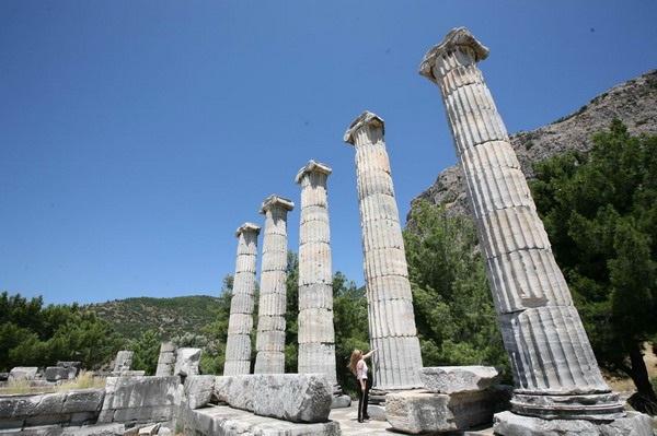 聖なる柱廊